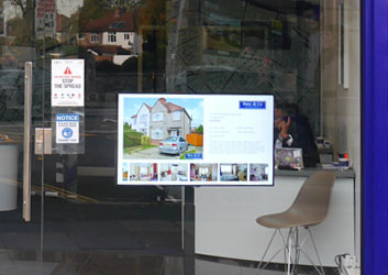Why choose a Non-Touch Digital Signage Screen